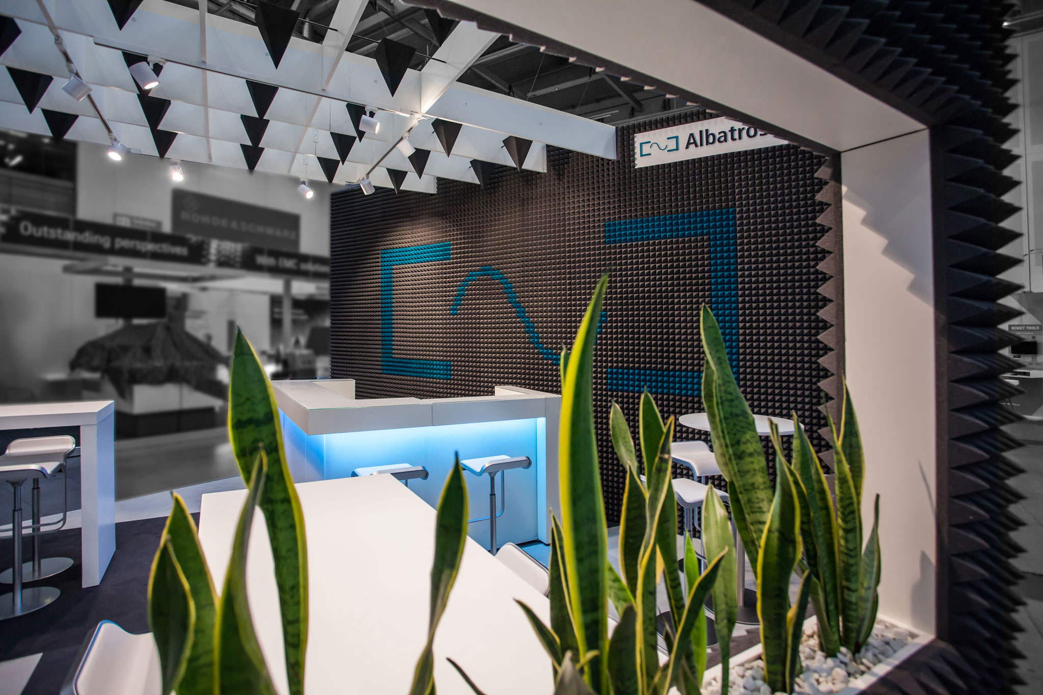 »Designing Business für Albatross Projects – Neuer Markenraumauftritt für die EMV 2017«